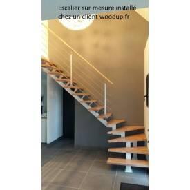 Escalier 1/4 tournant limon central métal