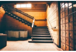 Comment isoler un escalier quart tournant?