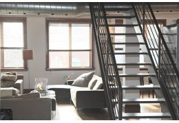 Quel encombrement pour un escalier droit ?